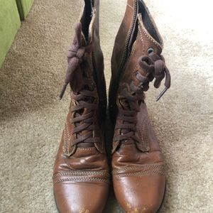 Steve Madden brown comber boots